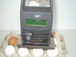Manuell auszulösender Eierstempel jetStamp 790E